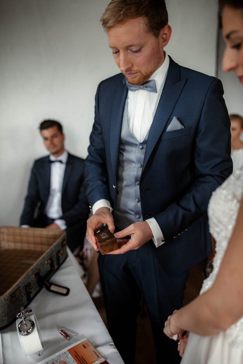 Als Hochzeitsfotograf im Hofgut Ruppertsberg: Freie Trauung von Lisa und Max 35