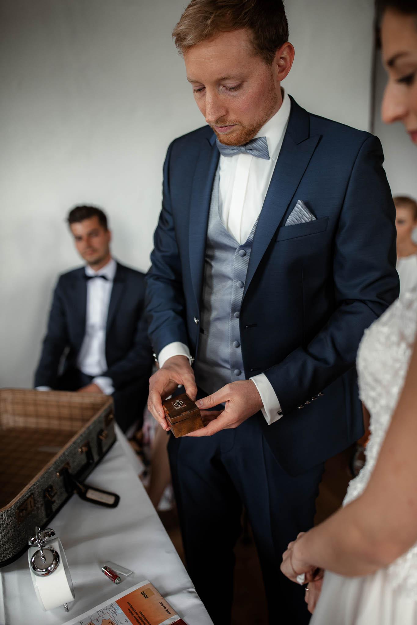 Als Hochzeitsfotograf im Hofgut Ruppertsberg: Hochzeit von Lisa und Max mit freier Trauung 35
