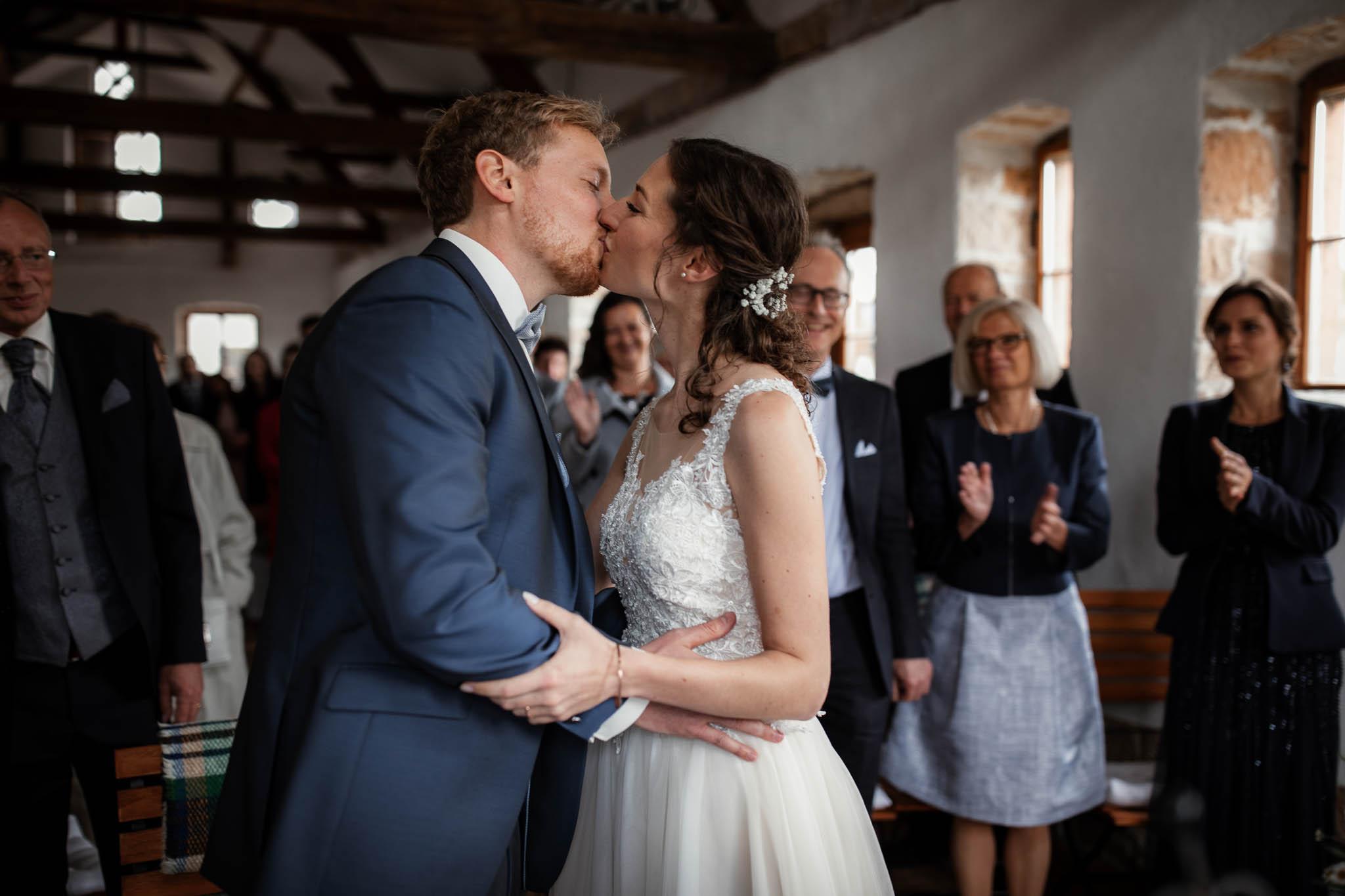 Als Hochzeitsfotograf im Hofgut Ruppertsberg: Hochzeit von Lisa und Max mit freier Trauung 46