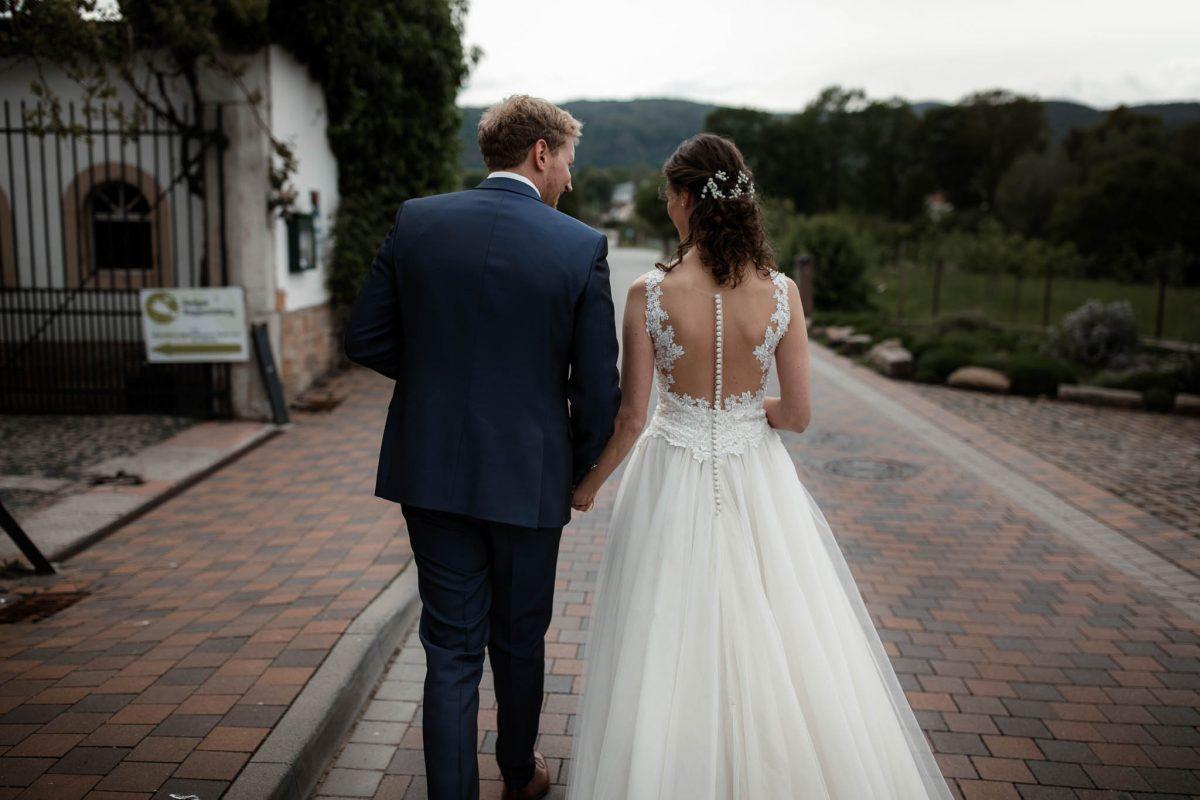 Als Hochzeitsfotograf im Hofgut Ruppertsberg: Freie Trauung von Lisa und Max 48