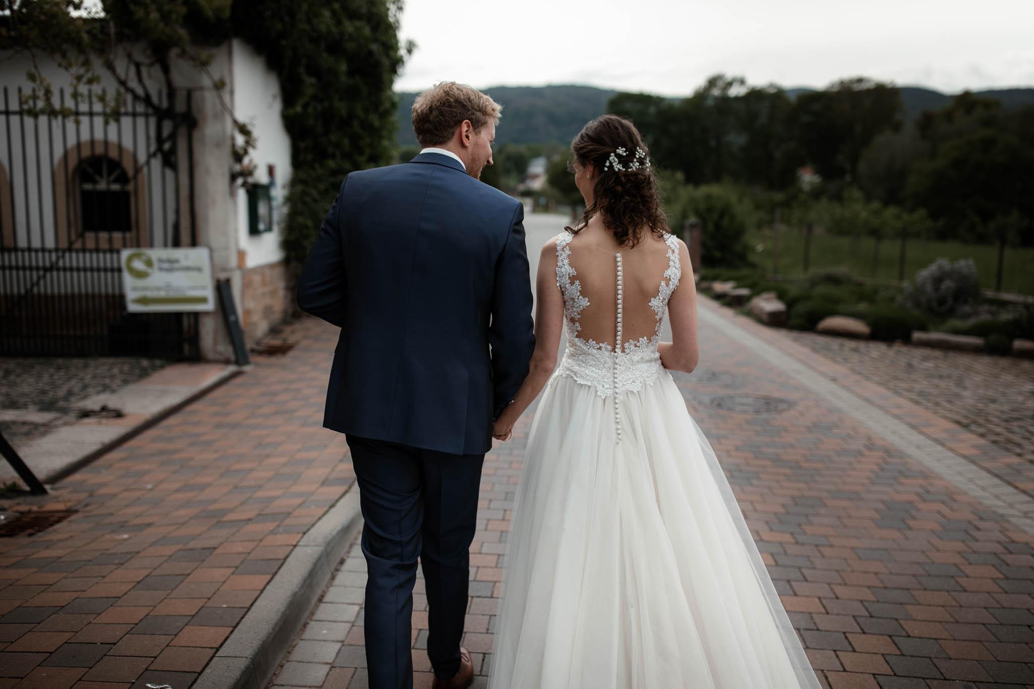 Als Hochzeitsfotograf im Hofgut Ruppertsberg: Hochzeit von Lisa und Max mit freier Trauung 48