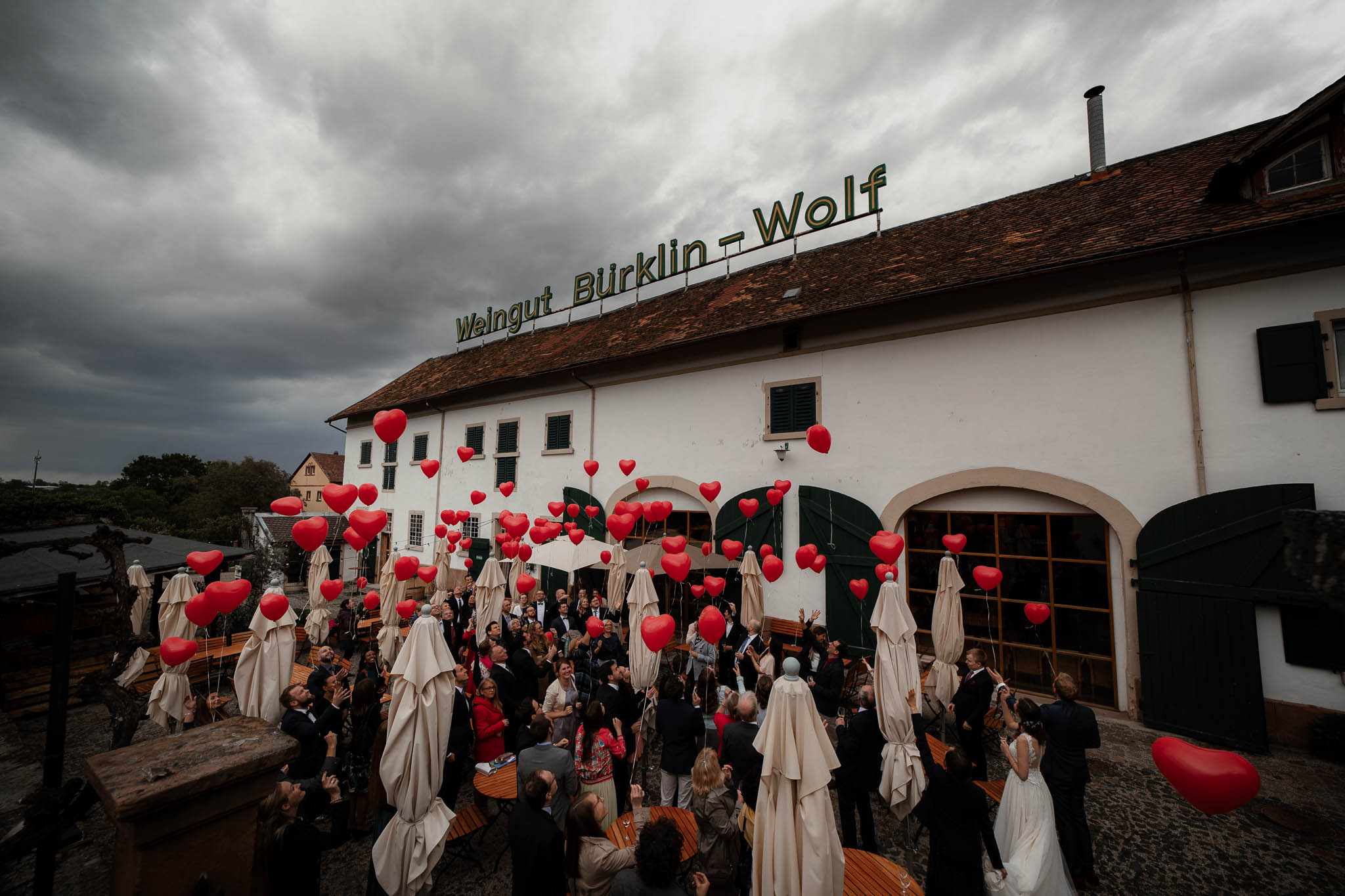 Als Hochzeitsfotograf im Hofgut Ruppertsberg: Hochzeit von Lisa und Max mit freier Trauung 55