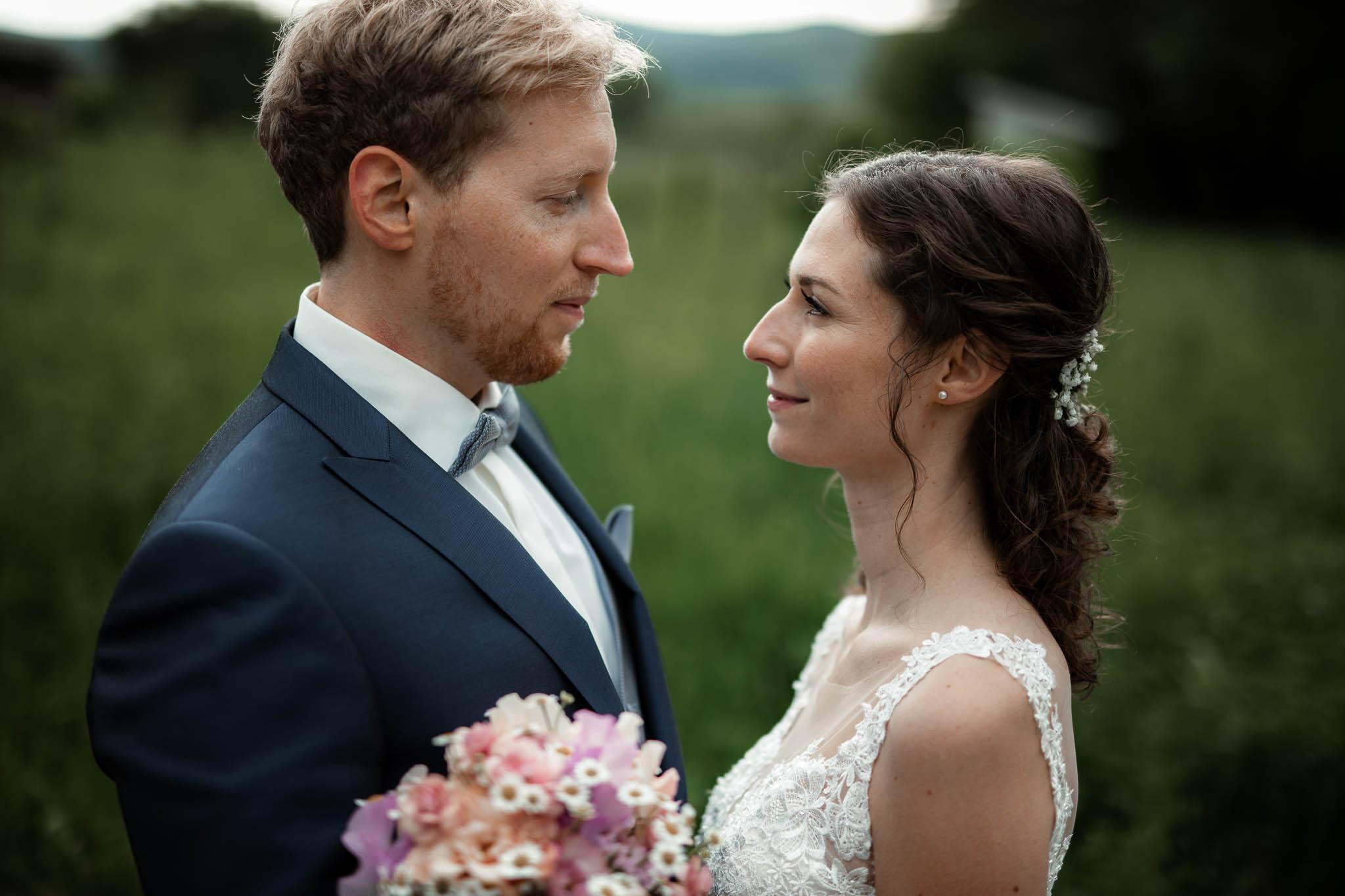Als Hochzeitsfotograf im Hofgut Ruppertsberg: Hochzeit von Lisa und Max mit freier Trauung 77