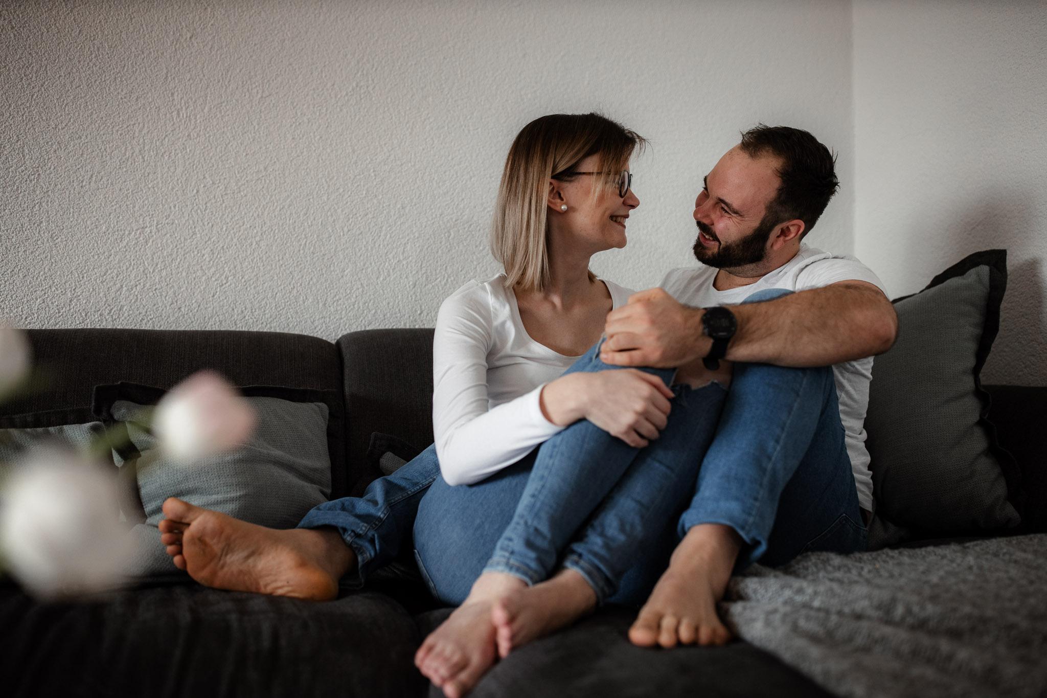 Paarfotos zu Hause - Homestory mit Sarah und Max in Worms 58