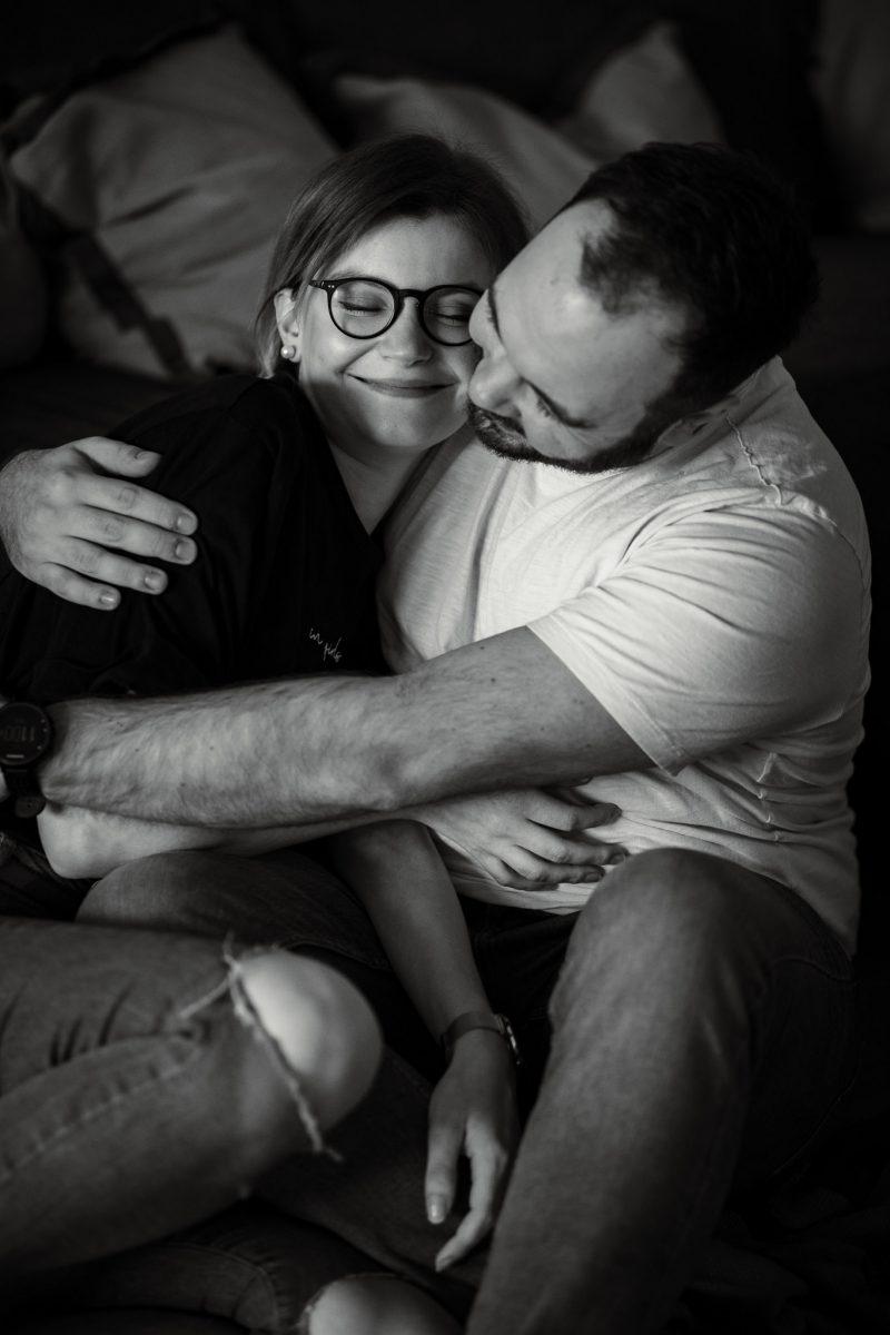 Paarfotos zu Hause - Homestory mit Sarah und Max in Worms 39