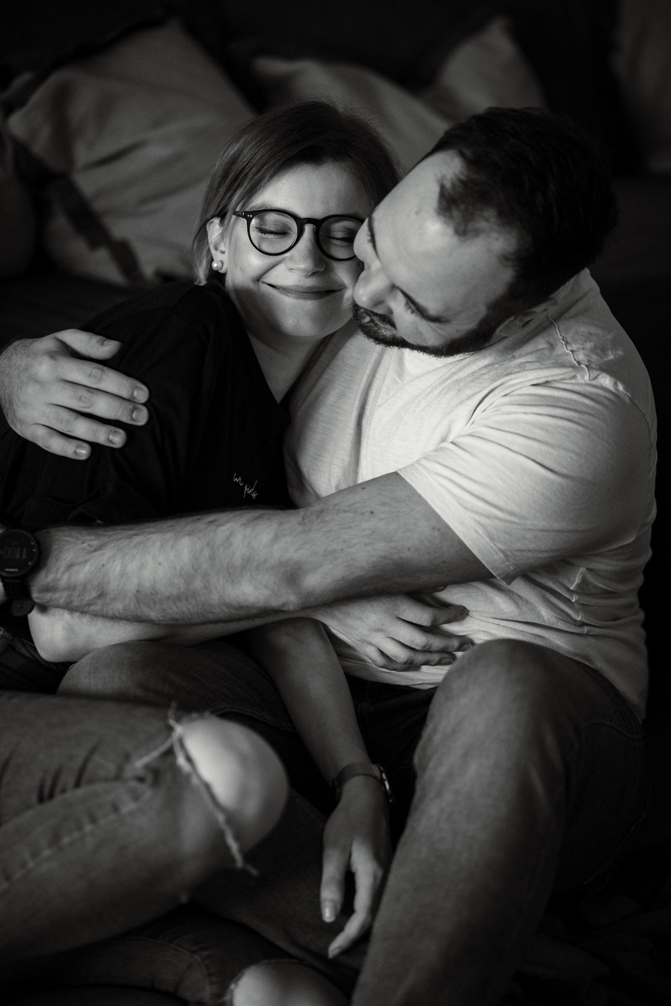 Paarfotos zu Hause - Homestory mit Sarah und Max in Worms 41