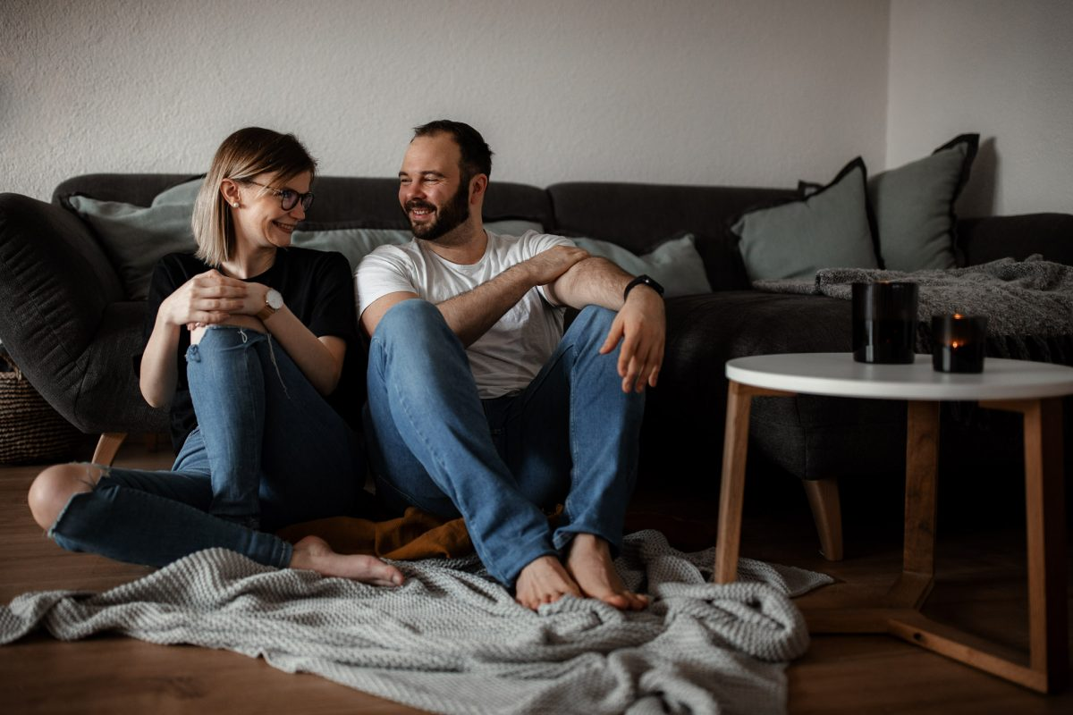 Paarfotos zu Hause - Homestory mit Sarah und Max in Worms 31