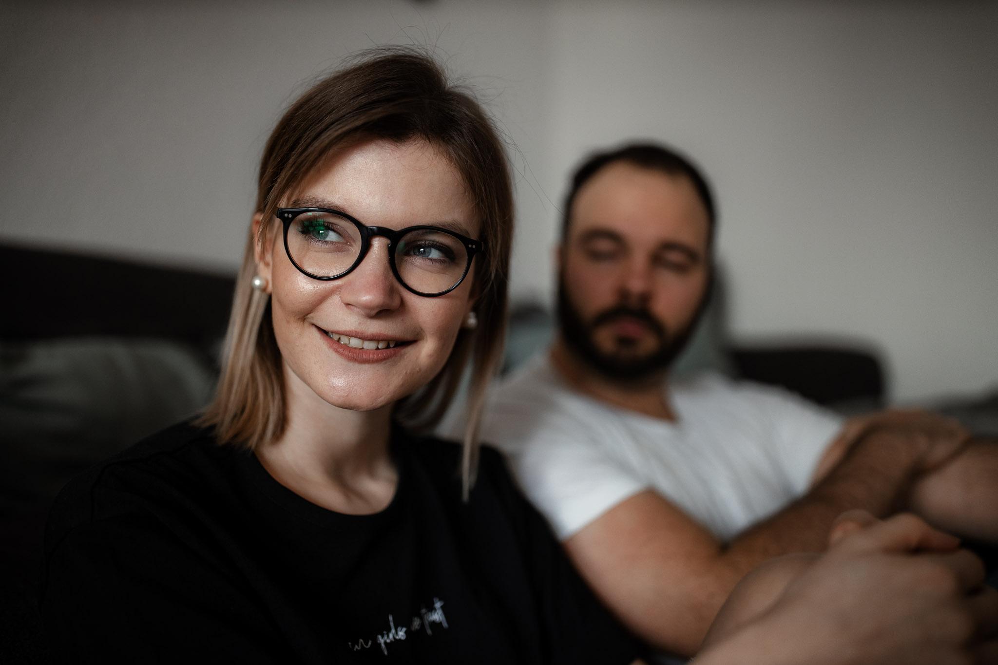 Paarfotos zu Hause - Homestory mit Sarah und Max in Worms 32