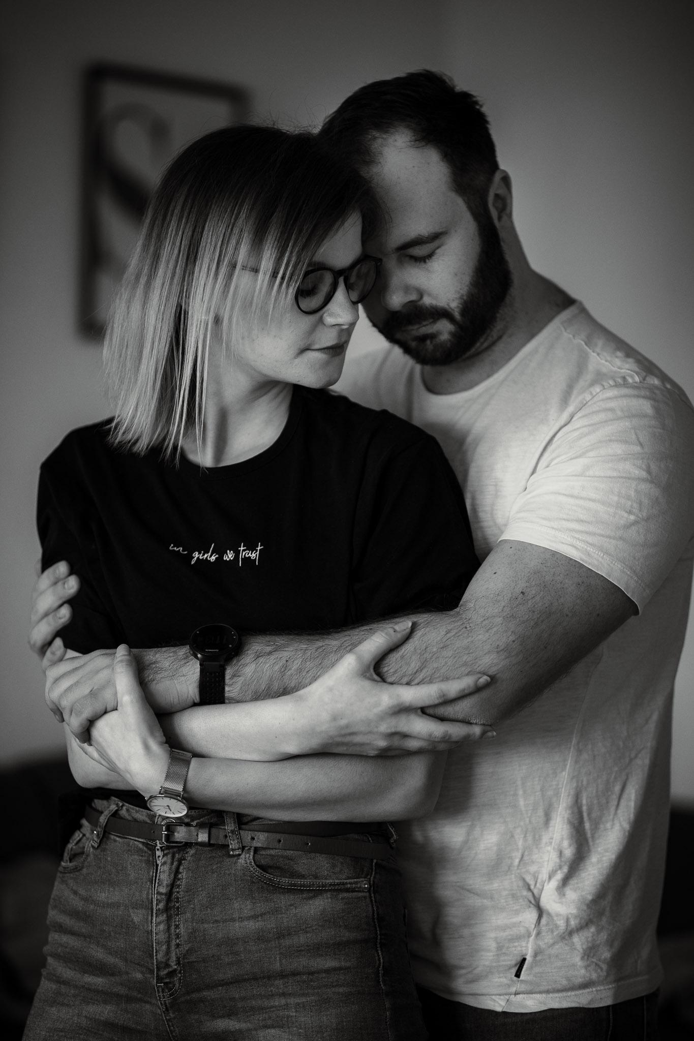 Paarfotos zu Hause - Homestory mit Sarah und Max in Worms 28