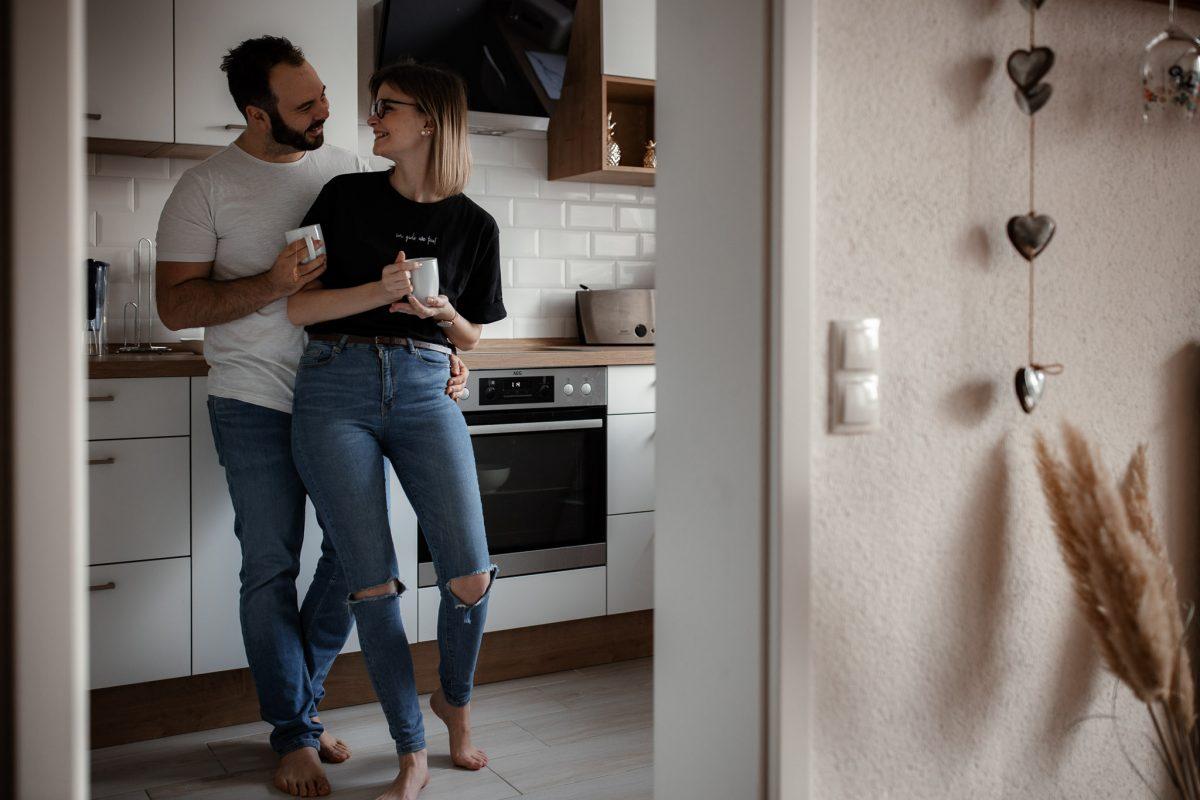 Paarfotos zu Hause - Homestory mit Sarah und Max in Worms 10