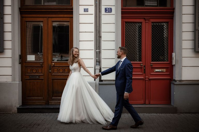 Hochzeitsfotos Wiesbaden – After-Wedding-Shooting mitten in der Stadt
