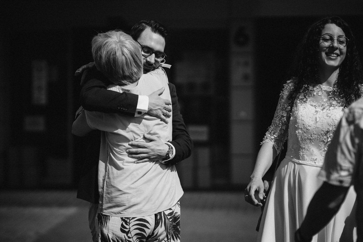 Standesamtliche Trauung von Christina und Fridolin in Kelkheim - Eine Corona Hochzeit 17