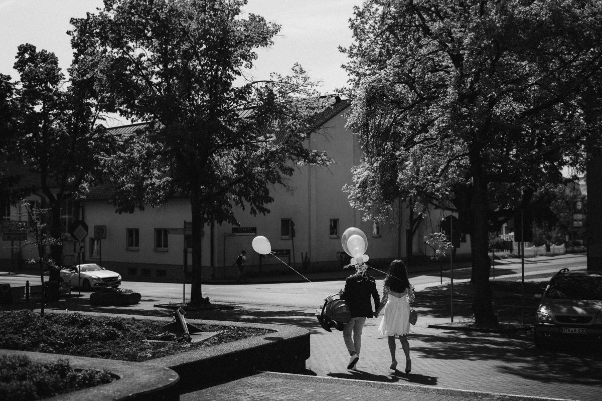 Standesamtliche Trauung von Christina und Fridolin in Kelkheim - Eine Corona Hochzeit 24