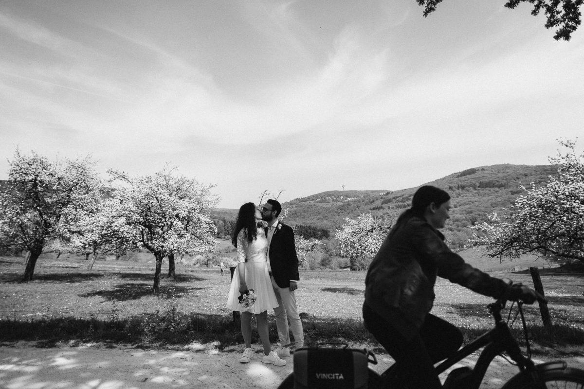 Standesamtliche Trauung von Christina und Fridolin in Kelkheim - Eine Corona Hochzeit 47