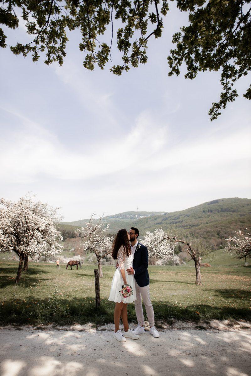 Standesamtliche Trauung von Christina und Fridolin in Kelkheim - Eine Corona Hochzeit 48