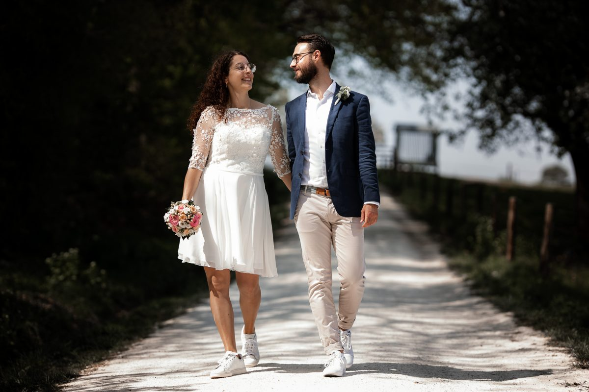 Standesamtliche Trauung von Christina und Fridolin in Kelkheim - Eine Corona Hochzeit 57
