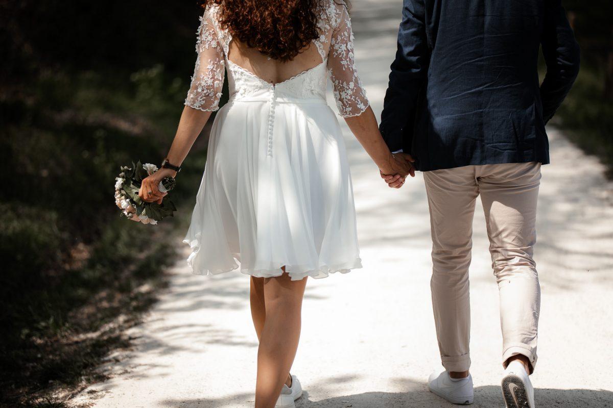 Standesamtliche Trauung von Christina und Fridolin in Kelkheim - Eine Corona Hochzeit 54