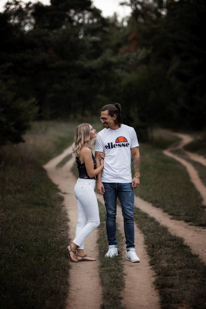 Paarfotos Mainzer Sand - Verlobungsshooting von Jenny und Patrice 28
