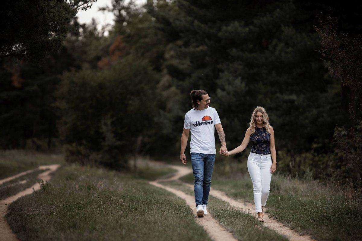 Paarfotos Mainzer Sand - Verlobungsshooting von Jenny und Patrice 36