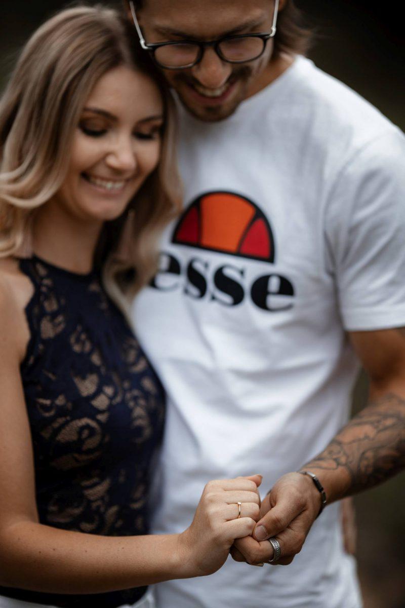 Paarfotos Mainzer Sand - Verlobungsshooting von Jenny und Patrice 38